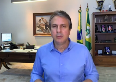 25.04 | Camilo Santana anuncia que 90 toneladas de carregamento com insumos e testes para detecção da Covid-19, comprados na China, chegam ao Ceará neste domingo, 26