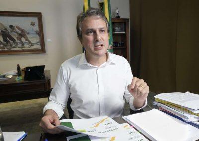 07.04.2021 | Camilo Santana anuncia auxílio cesta básica e isenta taxa do transporte regular e complementar